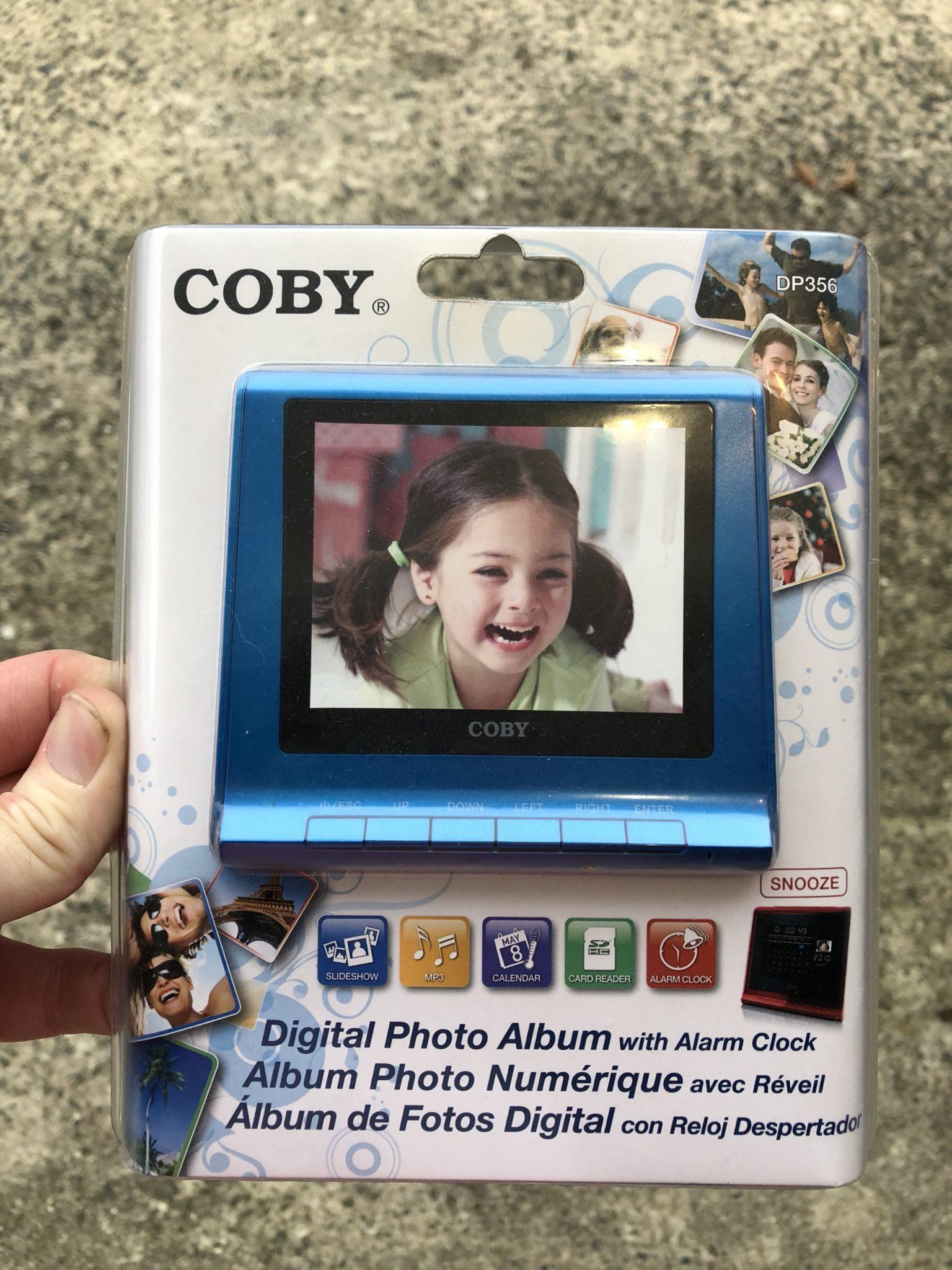 Digital Photo Frame Giveaway!