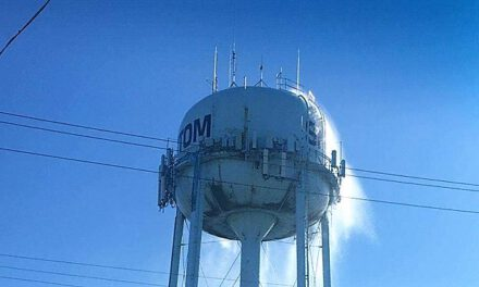 SHIP BOTTOM: Water Tower Photo Confirmed Real – Frozen Pressure Gauge