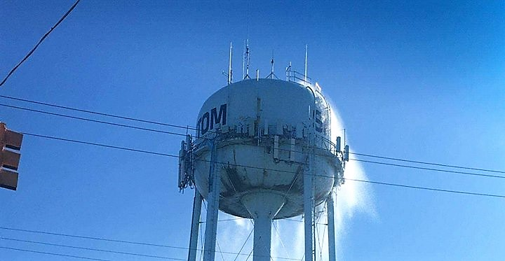 SHIP BOTTOM: Water Tower Photo Confirmed Real – Frozen Pressure Gauge