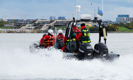 SILVERTON: Water REscue @ Mariners Cove