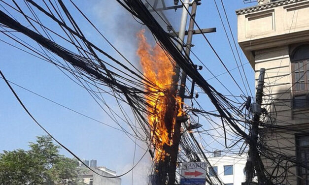 BAY HEAD: Pole Fire & Power Outages in Town