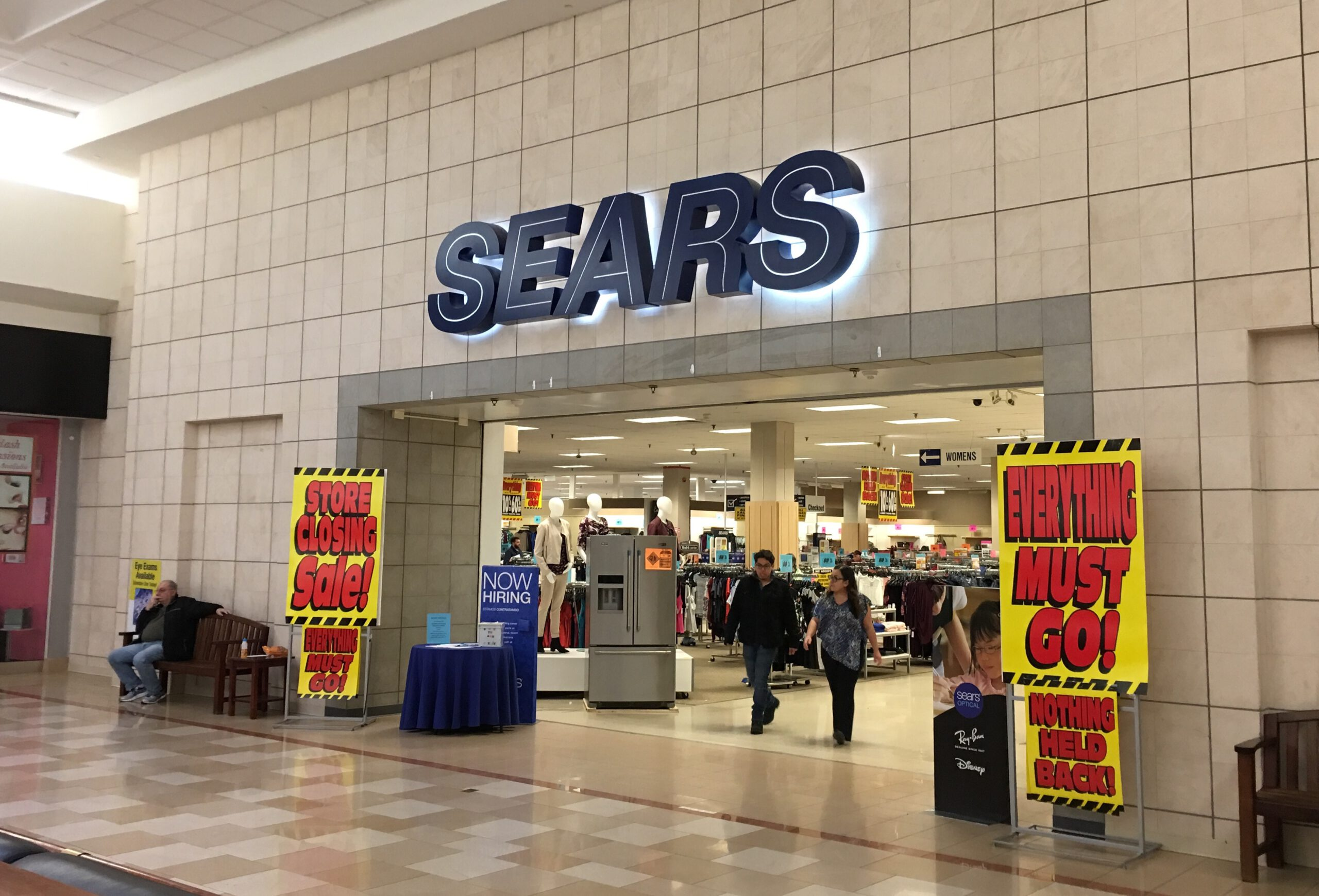 More Sears & Kmarts Are Closing