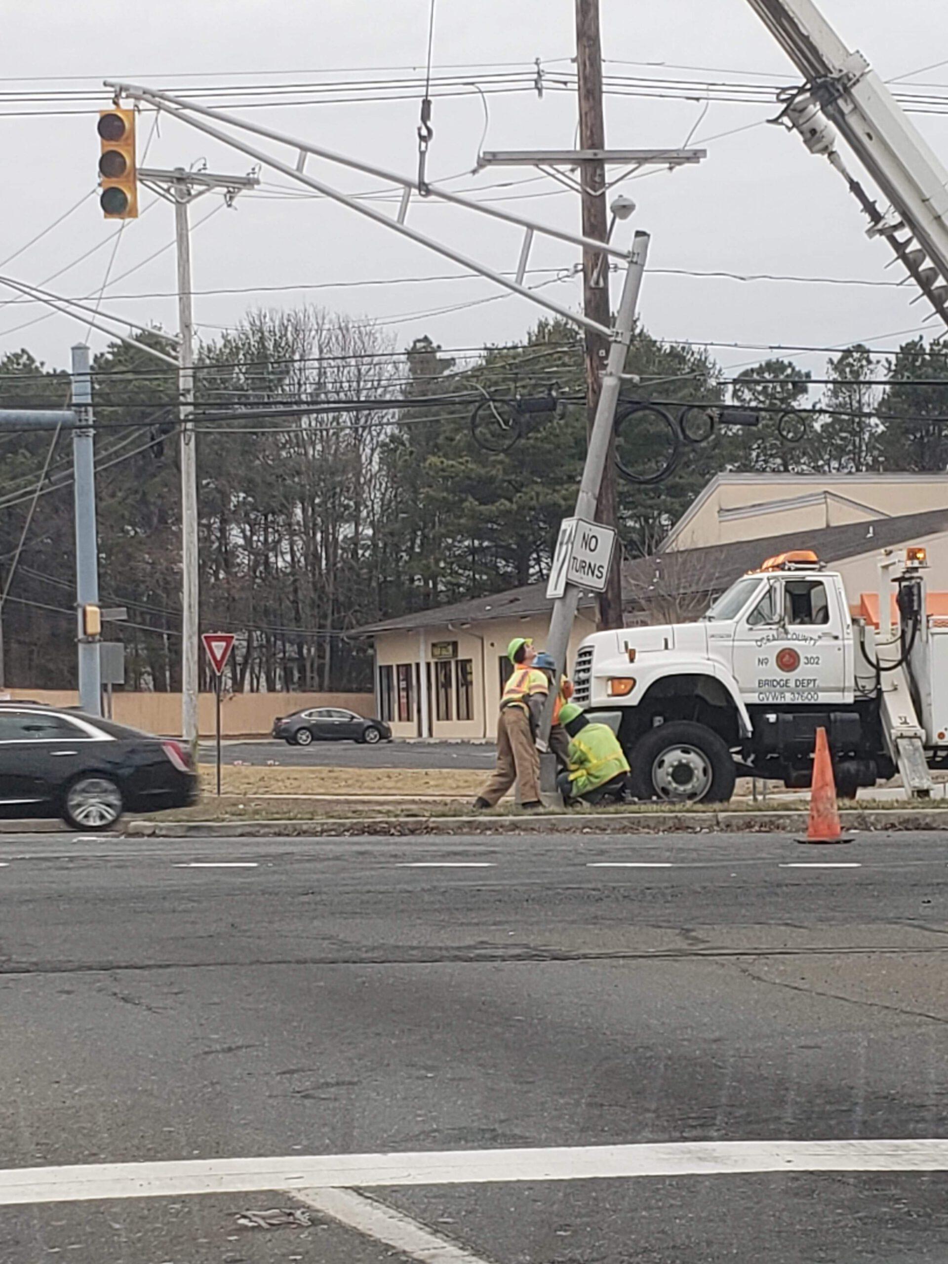 Brick : traffic light down