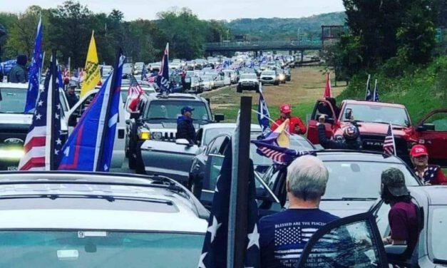 Yuuuge Turnout for Trump Parade