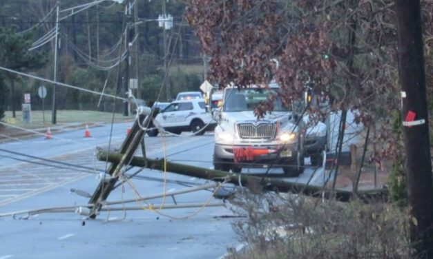 BERKELEY: Pole & Wires Down Closes Forest Hills Parkway