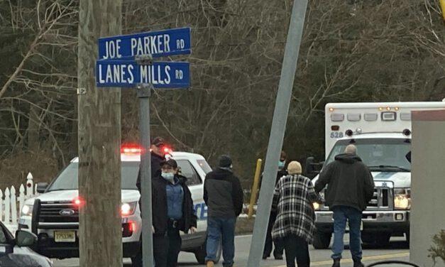 LAKEWOOD: Crash on Lanes Mill @ Joe Parker