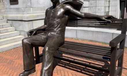 Huge 700 Pound Statue Of George Floyd Now At Newark City Hall