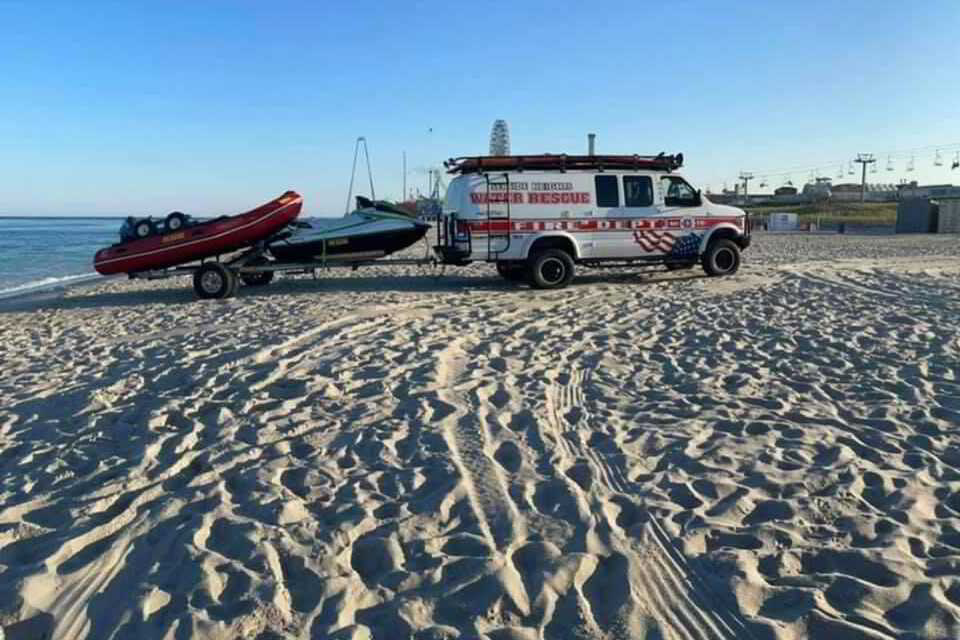 1 Dead 1 in Critical Condition After Numerous Swimmers Went into Distress