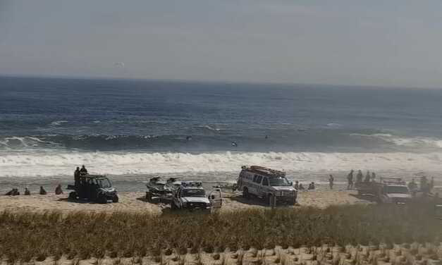 Video of Fire Department, Police, and Samaritans  Rescuing Swimmer In Distress, Performing CPR